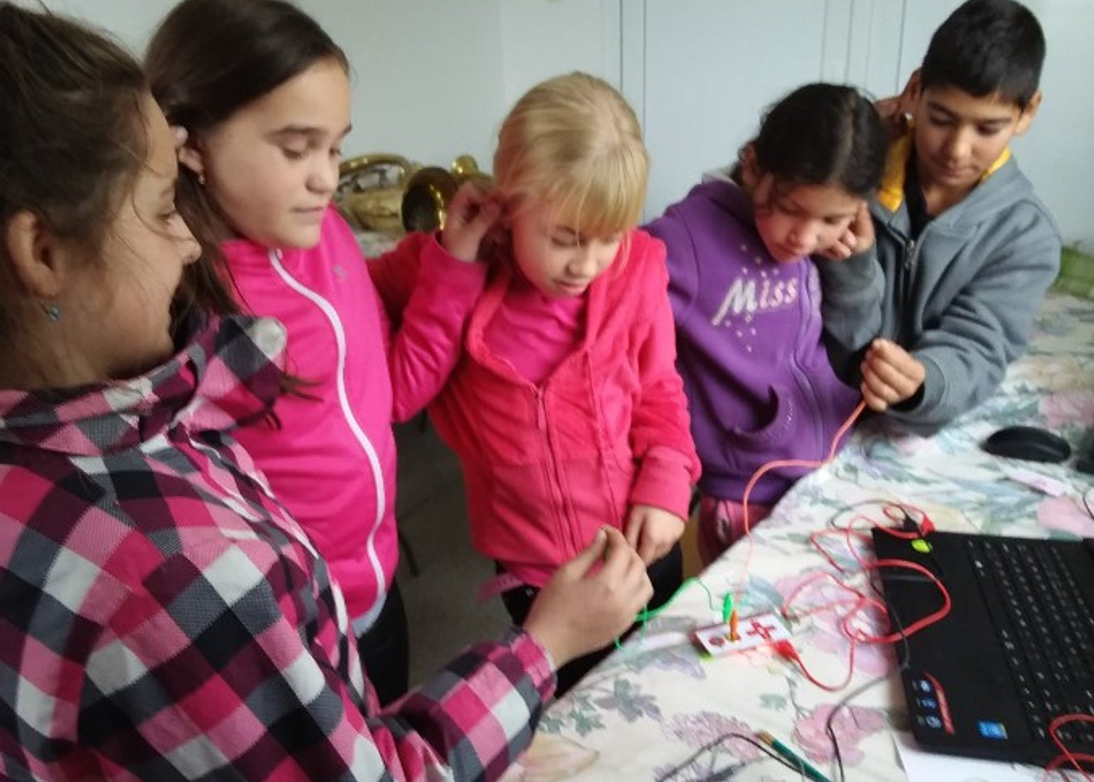 Hungary's Roma Children Need better access to digital services