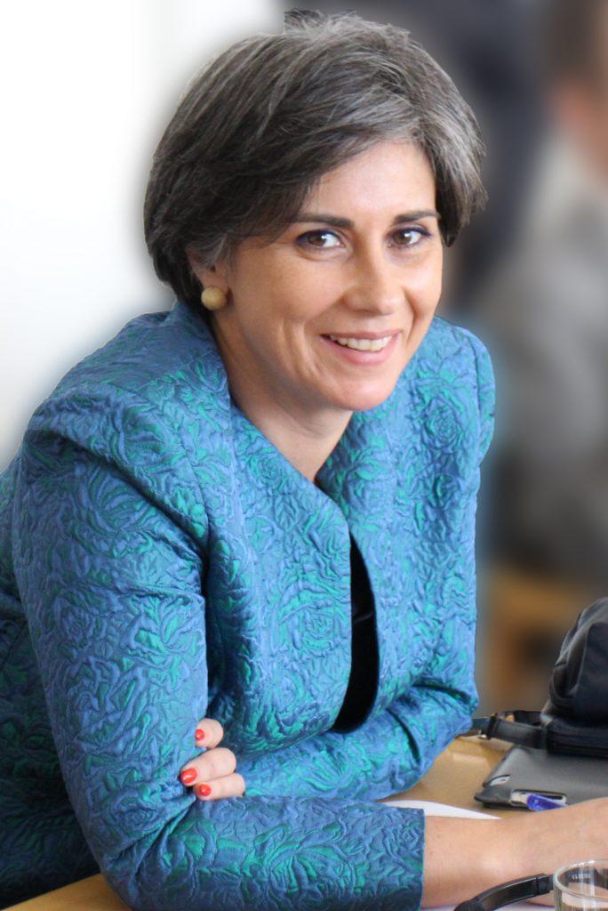 Isabel Santos speaking on Lebanon